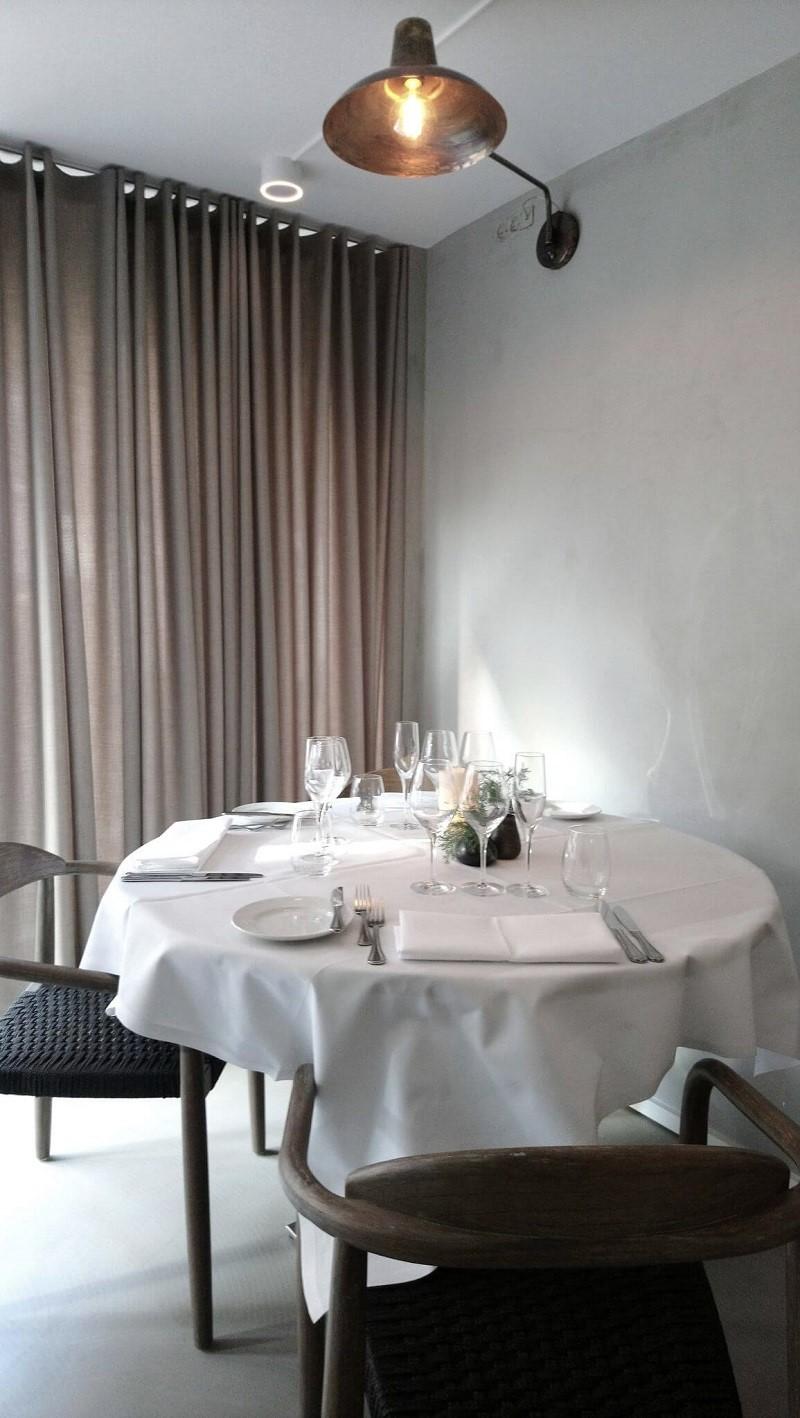 Restaurant indretning gardiner By Steinvig