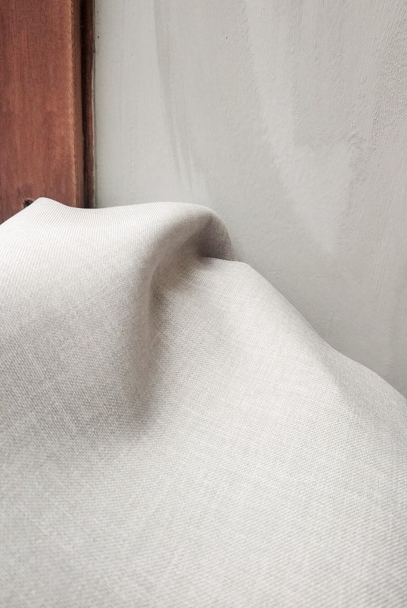Restaurant indretning med gardiner under process (2)